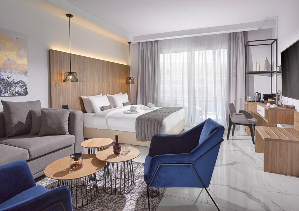 Blue Ivy Hotel (7)