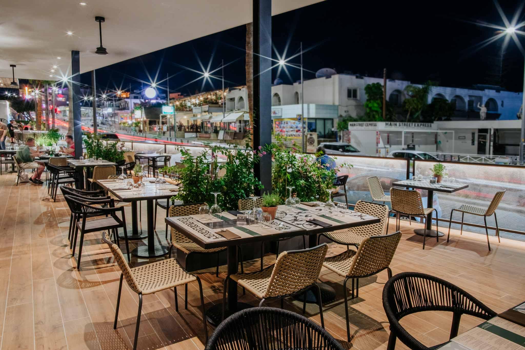 Napa-Plaza-restaurants-527